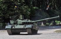 Турчинов показав танки, які мають бути на озброєнні в української армії