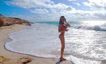 """""""Барбі"""" з Одеси оголилась на березі океану в Мексиці (18+)"""