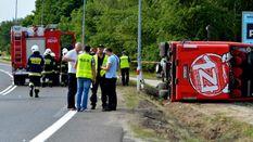 Популярный лоукост-автобус перевернулся в Польше: пострадали около 30 человек