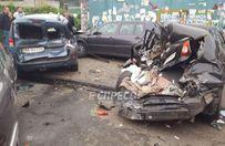 Розтрощені авто та відкриті переломи: в Києві трапилася масштабна ДТП