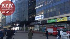 Минировании в Киеве: неизвестные сообщили о взрывчатке в ТРЦ, метро, отеле и на телеканале
