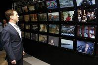 """Будни """"ЛНР"""": как РФ создает из Украины образ монстра для луганчан"""