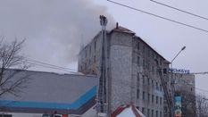 У Львові горів дах багатоповерхового будинку: фото та відео
