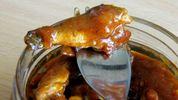 Черговий випадок ботулізму на Хмельниччині: жінка захворіла після споживання рибної консерви
