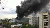 Во Львове горит завод: чернющий столб дыма видно из разных уголков города