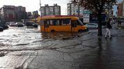 В результате непогоды в Киеве затопило улицы и метро: фото и видео
