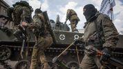 """Танки, гранатомети та поранені: """"режим тиші"""" від терористів триває на Донбасі"""