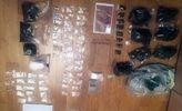 Полиция изъяла у киевлянина наркотиков на 3 миллиона гривен: 1000 марок ЛСД, оружие, патроны, кокаин