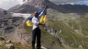 Високі засніжені вершини: брат Найема у День прапора здійснив яскравий патріотичний вчинок