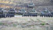 На скандальних військових навчаннях Росії у Білорусі перебуватимуть українські офіцери