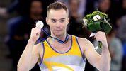 Олег Верняєв тріумфально здобув ще три медалі на Універсіаді
