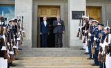 Порошенко начал встречу с главой Пентагона: появилось видео