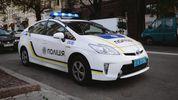 У Києві дебошир сильно побив жінку та почав кидатися на людей з ножем і гранатою