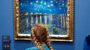 """Як відвідувачі галереї """"пасують"""" до творів мистецтва: проект фотографа"""