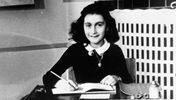 Костюм в стилі єврейської дівчинки Анни Франк випустили до свята Хелловіну