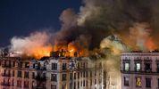 Появились жуткие видео с места пожара в Нью-Йорке