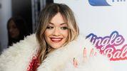 Ріта Ора вразила прихильників спокусливим новорічним платтям