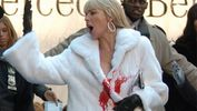 """""""Жертви"""" зоозахисників: у Франції відкрили """"гарячу лінію"""" для шанувальників хутра і шкіри"""