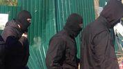 В Киеве посреди улицы неизвестные в балаклавах забрали у мужчины более полумиллиона гривен