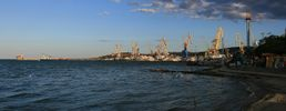 За полгода в порты Крыма незаконно зашли почти 600 судов