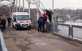 У Дніпрі поліцейський завадив жінці скоїти самогубство: фото з місця події