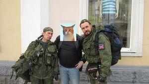 """Вони ненавидять москалів, але їдуть """"брати"""" Маріуполь, — російський блогер про добровольців з РФ"""