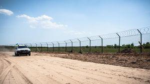 """Как на границе с Россией вырастает """"Стена"""""""