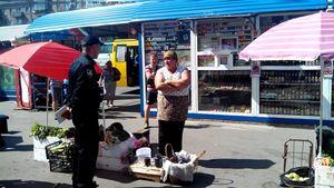 Нелегальні продавці влаштували істерику новим поліцейським