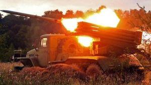 На востоке реальная война, в Донецке паника, — волонтер
