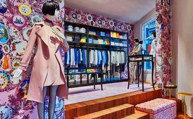 Европейский бренд одежды выпустил провокационную рекламную кампанию (18+)