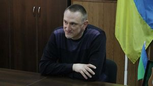 Бежал в Россию: мэр украинского города, у которого обнаружили российский паспорт, исчез
