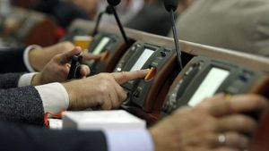 Как депутаты голосовали за законопроект о реинтеграции Донбасса: неожиданные детали