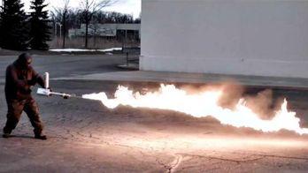 Американская компания представила бытовой огнемет