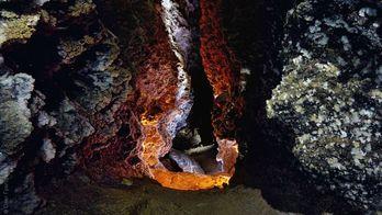 Подземный туризм: ТОП-5 самых интересных пещер Украины