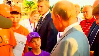 Путін виправдовувався перед дитиною за падіння рубля