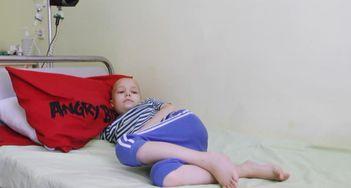 Мальчик, который мечтает стать врачом, нуждается в помощи благотворителей