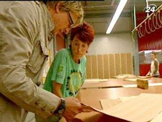 Меблева фабрика Paschen спеціалізується на виробництві шафок для книг