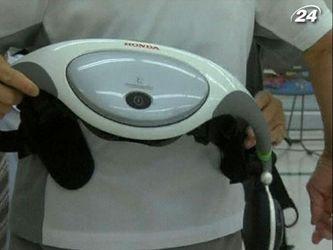 Роботизированный пояс помогает пожилым японцам передвигаться