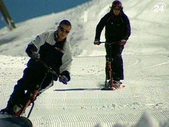 Байкборд - щось середнє між лижами та сноубордом