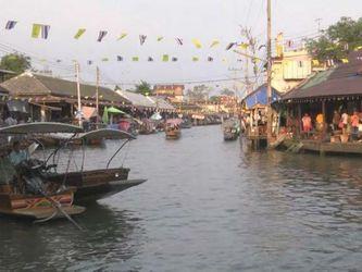 Чудеса света. Плавучие деревни Таиланда удивляют туристов