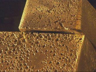 Як видобувають один з найдорожчих металів — золото