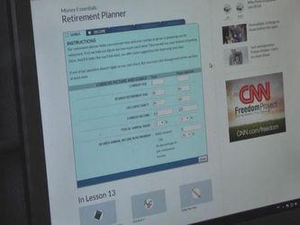 Порада банкіра: бути пильним і при оплаті в інтернеті, і при розрахунках картками
