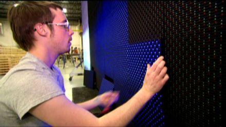 Як це працює. Гігантські екрани на стадіонах  використовують лише три кольори світлодіодів