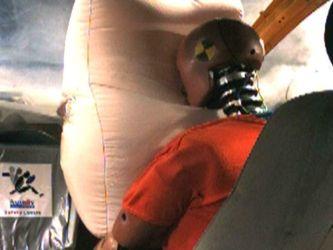 Як роблять подушки безпеки? Їхня неправильна конструкція може вбити водія
