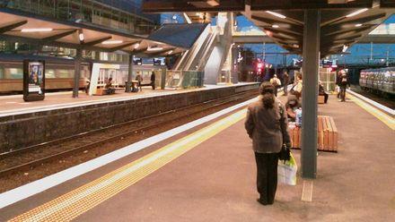 Мельбурнське диво: дитина вижила після падіння під потяг