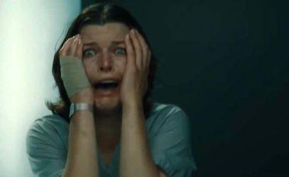 """Фільм дня. """"Обличчя у натовпі"""" – чи витримає героїня Йовович жахливу втрату пам'яті"""
