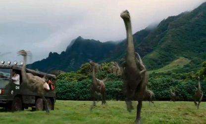 """Фільм дня. """"Світ Юрського періоду"""" – протистояння людей та динозаврів"""