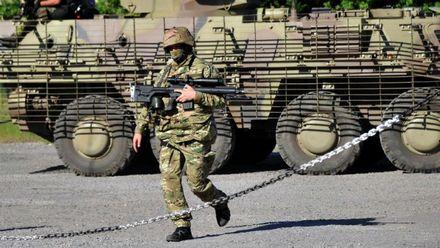 Техніка війни. Особливості ножового бою. Український броньовик визнали одиним із кращих у світі