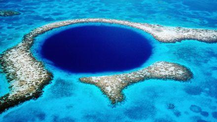 """""""Голубая дыра"""" – живописная пещера в сердце Египта"""