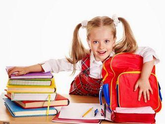 Скільки коштує зібрати дитину до школи у Сімферополі та Херсоні: порівняння цін